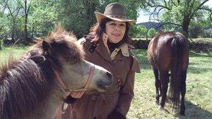 """Lola Ten: """"Són cavalls jubilats però aquí lliures viuen més»"""