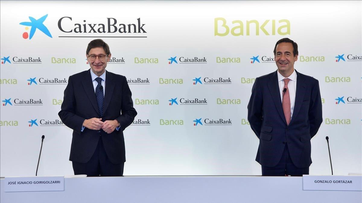 CaixaBank, primera parada en un 'viatge' de fusions