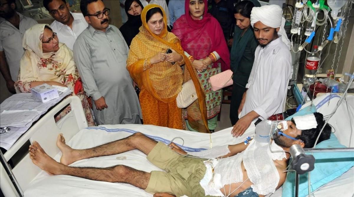 Unos pasteles contaminados matan a 23 personas en Pakistán 2427115274f