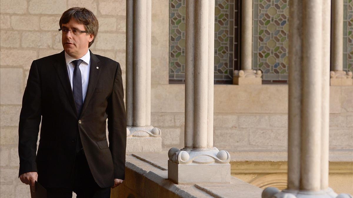 El president Carles Puigdemont, en el Palau de la Generalitat.