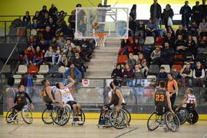 Baloncesto en silla de ruedas en Rubí.
