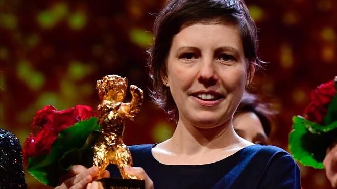 Adila Pintilie, con el Oso de Oro por su triunfo en la Berlinale 2018 con Touch me not