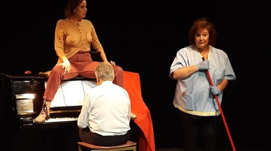 La obra 'Dos pits i una poma' combina ópera, humor y feminismo