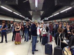 Viajeros afectados por los retrasos en Rodalies.