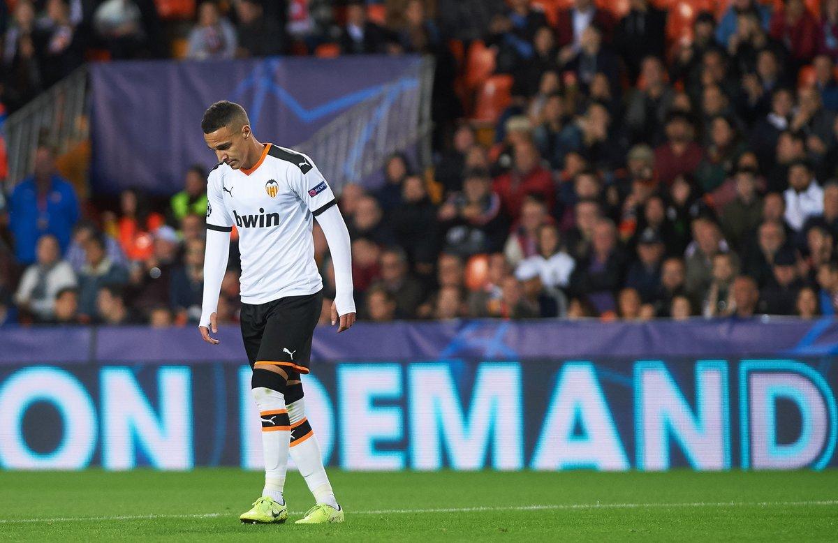 Rodrigo Moreno durante un partido con el Valencia.