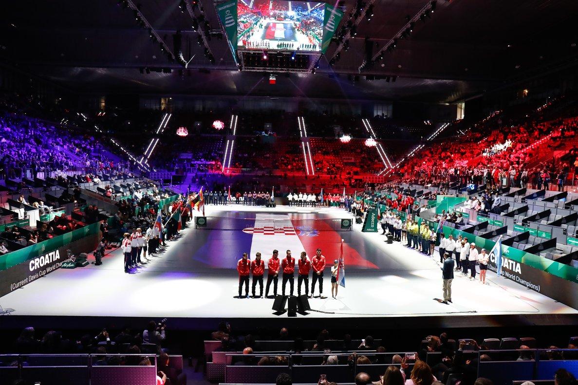 Desfile de los equipos en la inauguración de la Copa Davis en Madrid.