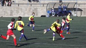 L'alumne que practica esport extraescolar millora al col·legi