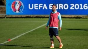 Arda Turan, en un entrenamiento con la selección turca en la Eurocopa.