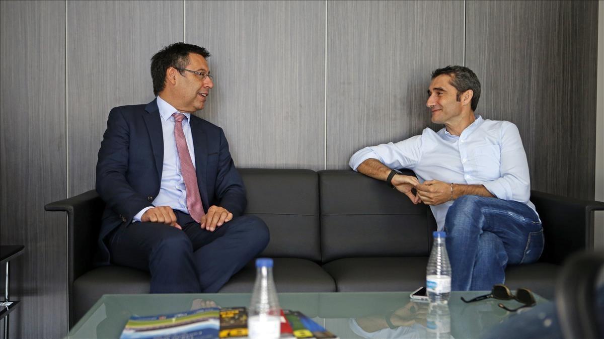 Bartomeu y Valverde, en la ciudad deportiva del Barça en Sant Joan Despí.