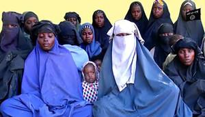 Boko Haram difunde un vídeo en el que 14 de las más de 270 niñas secuestradas de Chibok, dicen que no quieren volver a sus casas.