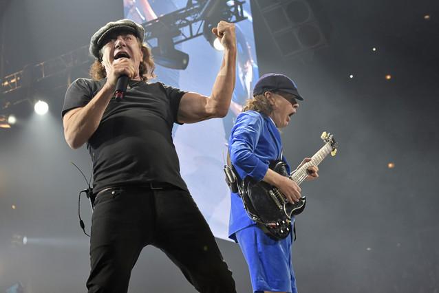 Brian Johnson (izquierda) y Angus Young, el pasado 17 de febrero, durante el concierto que AC/DC dio en Chicago, en el marco de la gira Rock or Bust.