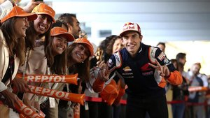 El campeón del mundo de GP Marc Marquez esta mañana en Madrid tras conseguir su octavo titulo en motociclismo