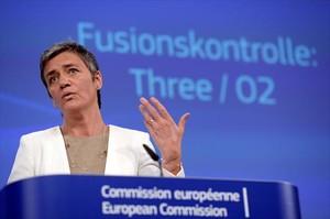 La candidata europea de Competencia, Margrethe Vestager, comparece ante los medios, ayer, en Bruselas.