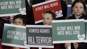 Concentración de protesta en Nueva Zelanda contra los ataques a dos mezquitas.