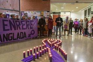 Concentración de rechazo al feminicidio sucedido en Terrassa.