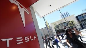 Concesionario de Tesla en Santa Mónica (California).
