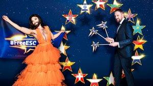 Conchita Wurst y Steven Gätjen, presentadores de 'Free European Song Contest' en la cadena alemana Prosieben.