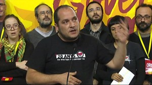 David Fernàndez, durant la roda de premsa després de l'assemblea a Manresa.