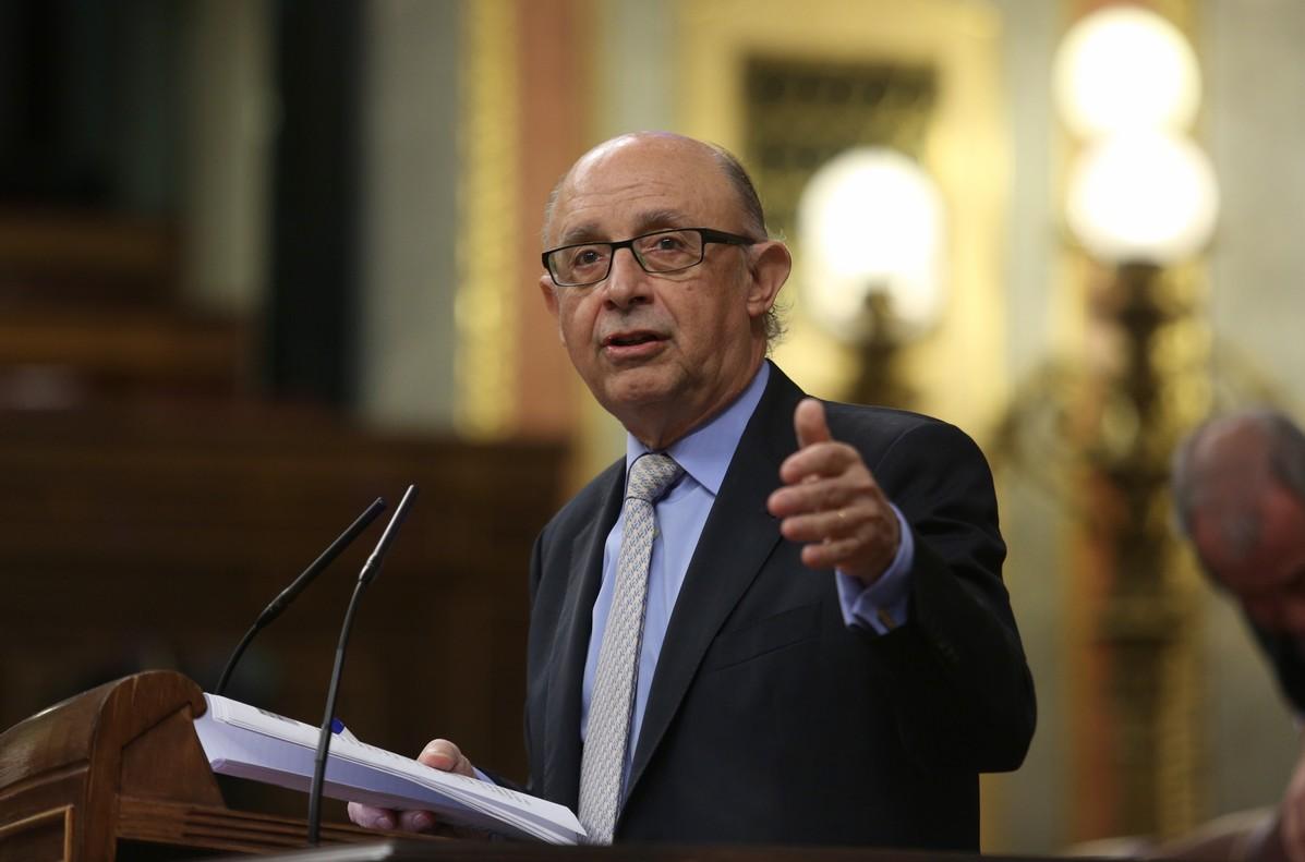 El ministro de Hacienda, Cristobal Montoro, en la sesión de control al Gobierno.