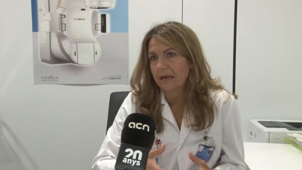 La doctora Núria Rodríguez De Dios del 'Servei de Oncologia Radioteràpica de l'Hospital del Mar', lucha contra el cáncer de pulmón.