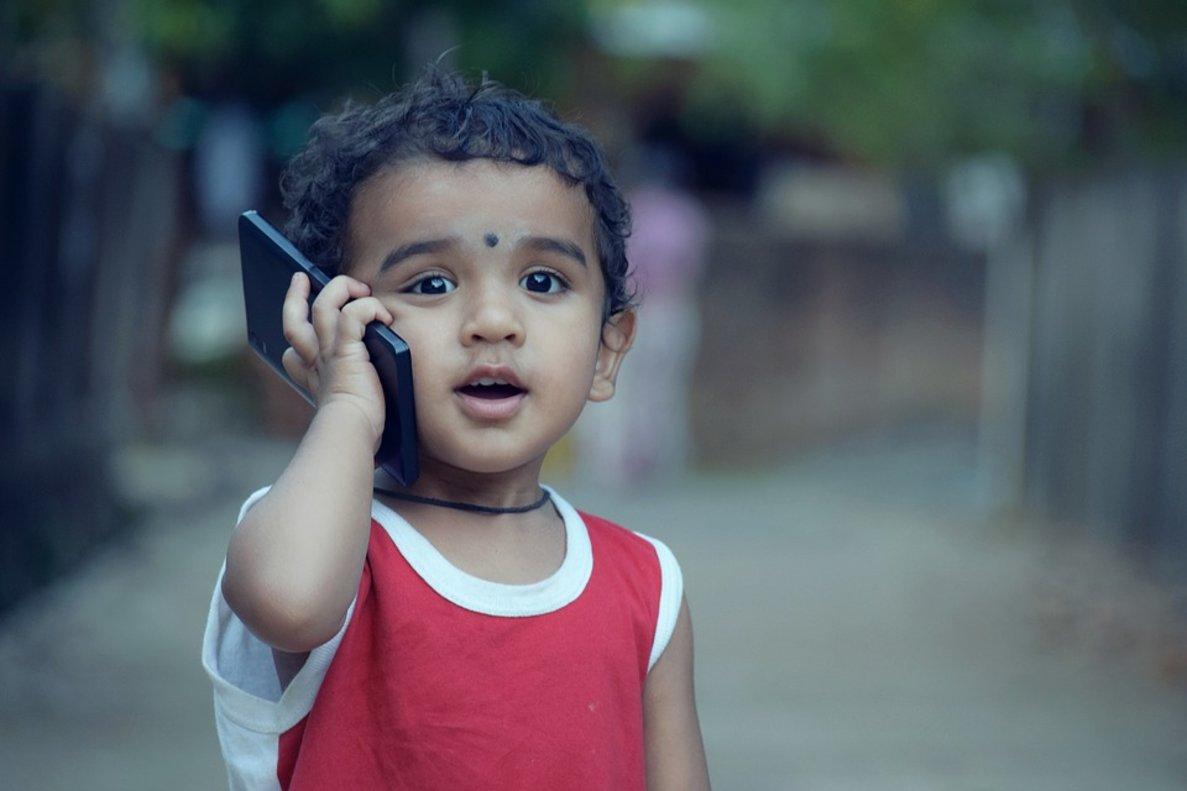 El teléfono móvil es la tecnología con mayor impacto