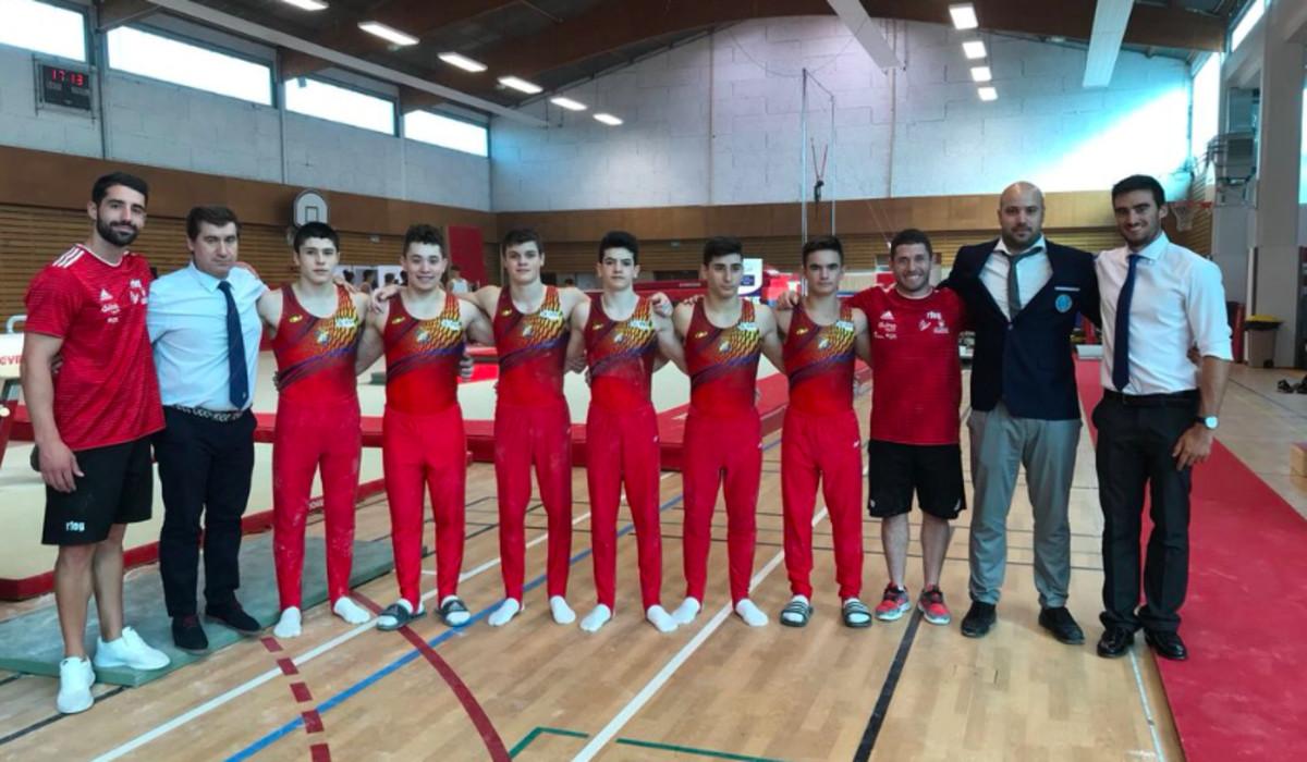 Franco Sánchez junto al resto de integrantes del equipo junior de GAM en el Torneo Internacional de Francia