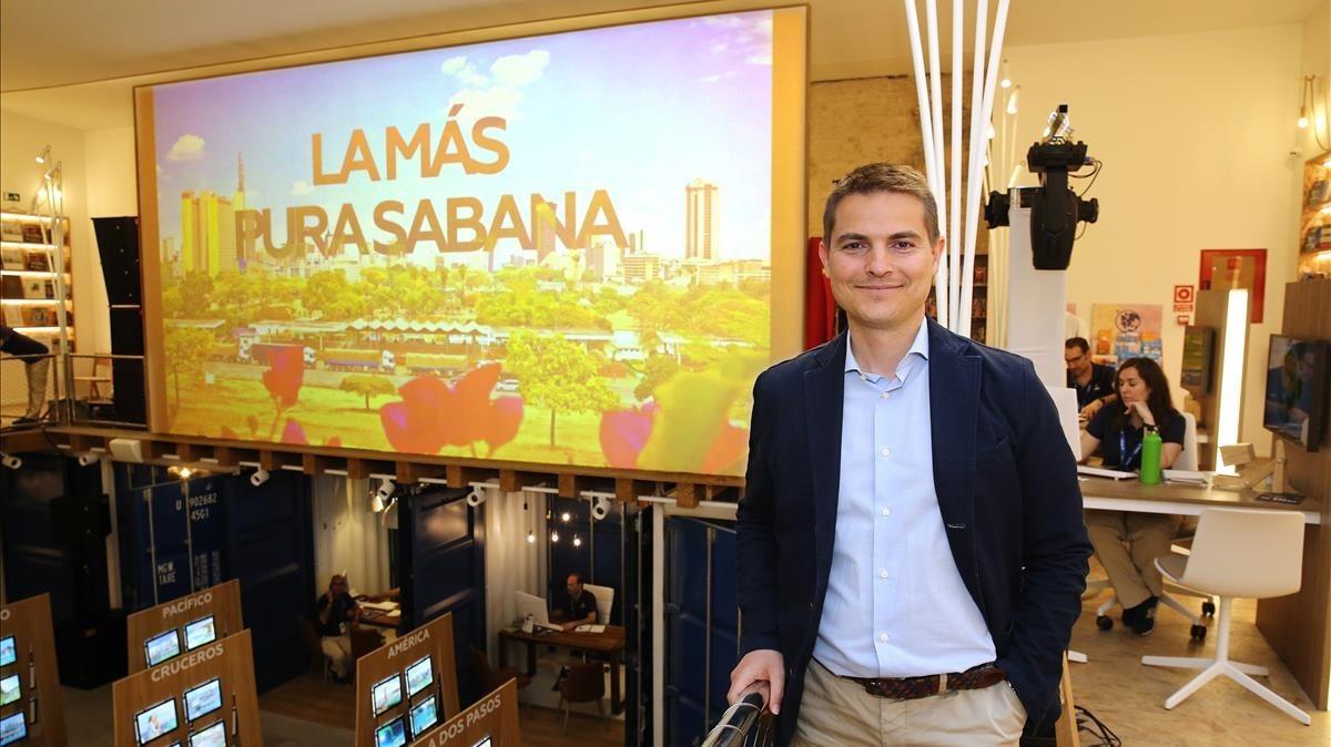 El fundador y consejero delegado de Pangea, David Hernández Pumarega, en la tienda de Barcelona.