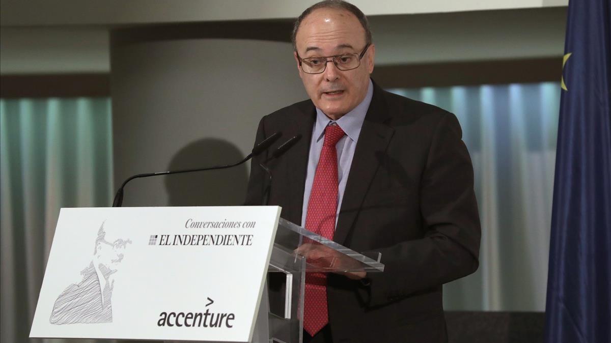 El gobernador del Banco de España, Luis María Linde,durante el desayuno informativo de esta mañana.