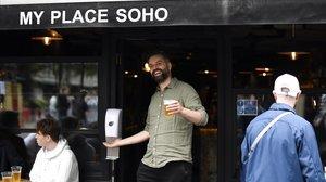 Pubs con cita previa: el retorno a la nueva normalidad de los ingleses