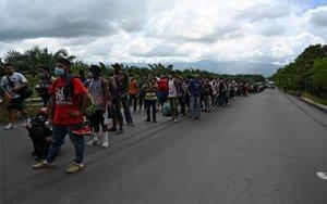 Grupo de personas migrantes y refugiados de Honduras que intentan llegar a los Estados Unidos.