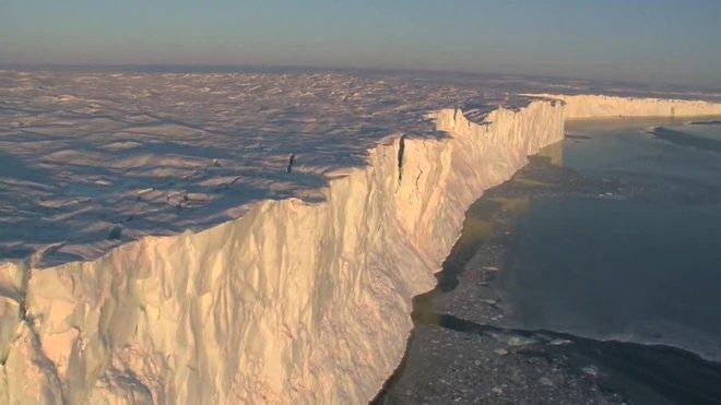 Vídeo | Un gran iceberg es desprèn a l'Antàrtida Oriental