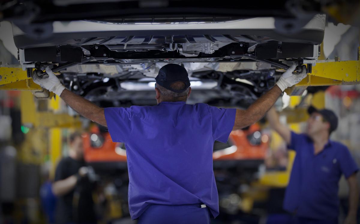 La construcción cayó 4,6% y la industria 5% en septiembre
