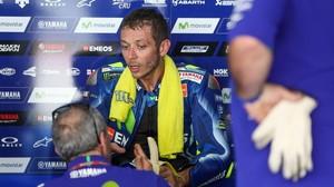 El italiano Valentino Rossi (Yamaha), en un descanso, el pasado 30 de enero, en el primer test de Sepang (Malasia).