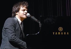 Jamie Cullum, durante su actuación en el Sant Jordi Club.