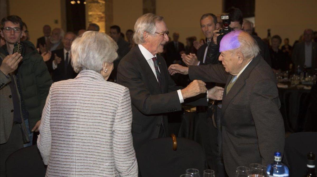 Trias saluda a Pujol y a su esposa, Marta Ferrusola, este jueves en el Museu Marítim de Barcelona.