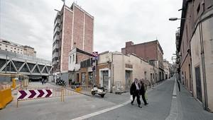Lado mar 8 Edificios afectados por el plan vinculado al cajón de Sants, en la calle de Burgos.