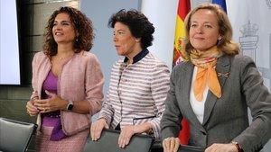 Las ministras Montero, Celaáy Calviño, tras la el Consejo de MInsitros en el que se aprobó la 'tasa google'.