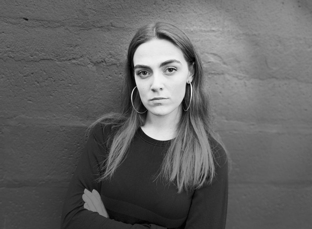 Laura Herrero, diseñadora que fusiona tecnología y moda.