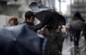 Lluvia en Madrid, en una foto de archivo.