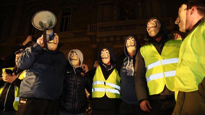 Los taxistas me manifiestan en la plaza de Sant Jaume.