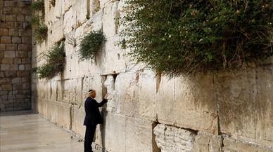 lpedragosa38556366 u s president donald trump touches the western wall judais170522222809
