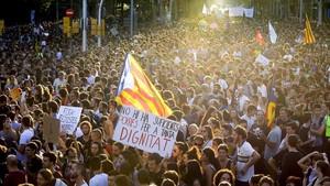 La manifestación a su paso por Passeig de Gracia.