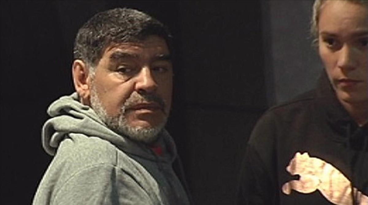 Maradona y su pareja en Madrid