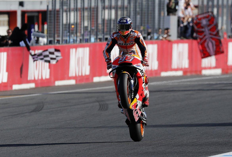 Marc Márquez celebra el título de campeón del mundo en el GP de Japón.