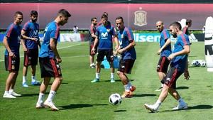 Carvajal s'entrena per primera vegada amb el grup