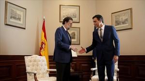 Mariano Rajoy y Pedro Sánchez, en agosto del año pasado.