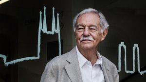 Mendoza, en la presentación de su libro 'El rey recibe' en Barcelona.