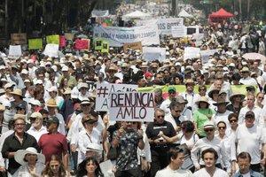Protestas en México en contra del presidente Andrés Manuel López Obrador.