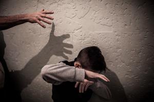El cost de la violència contra la infància supera els 1.000 milions anuals