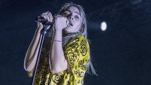 Un momento del concierto de Billie Eilish, en el Sant Jordi, el sábado.